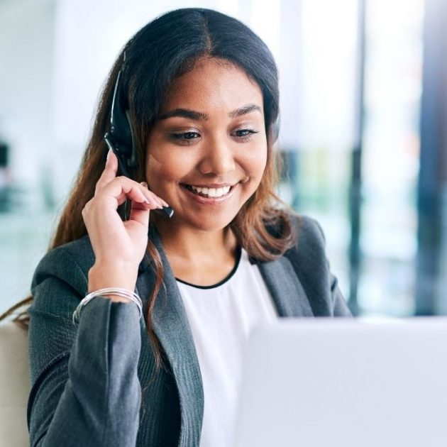 Receptionist talk Claims Advocate on call
